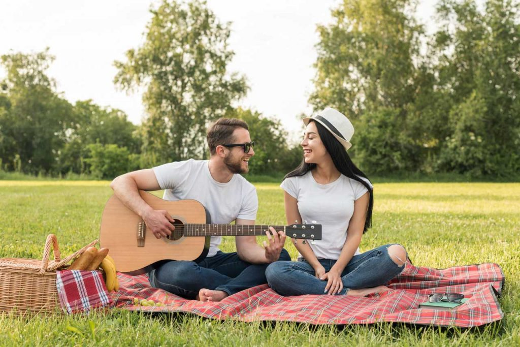 Interesting facts about acoustic guitar