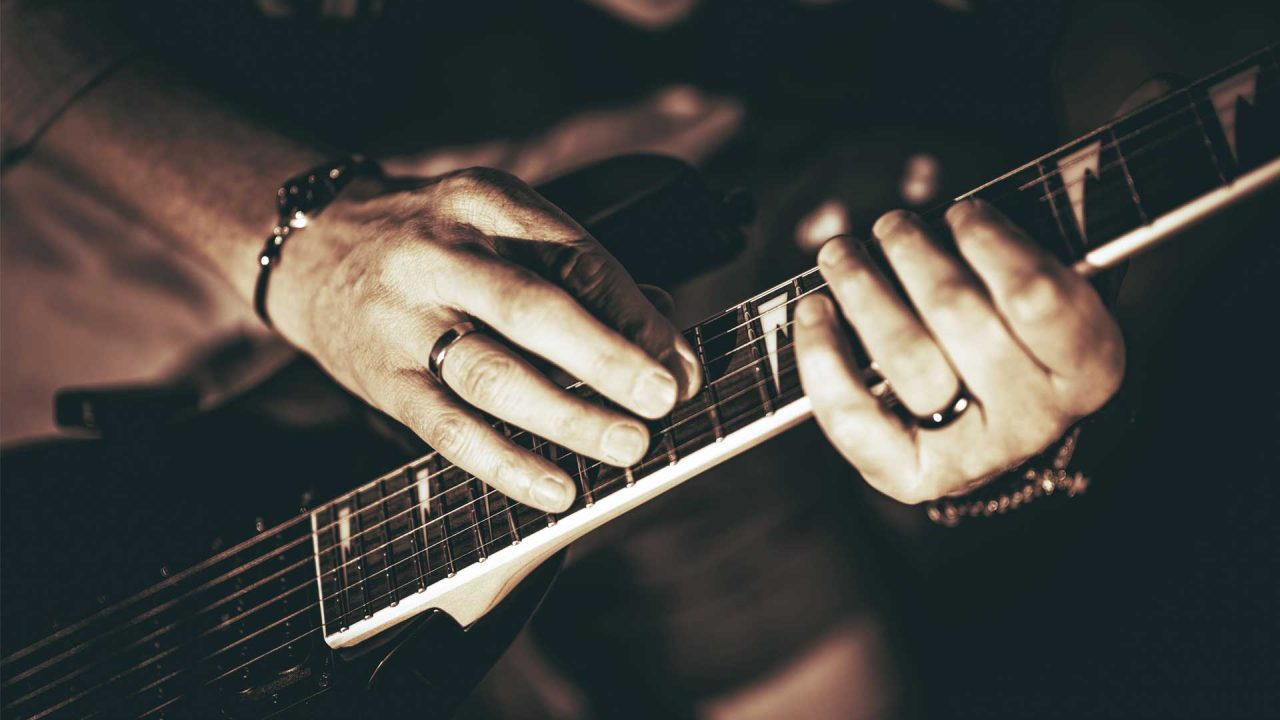 How to guitar tap for beginners